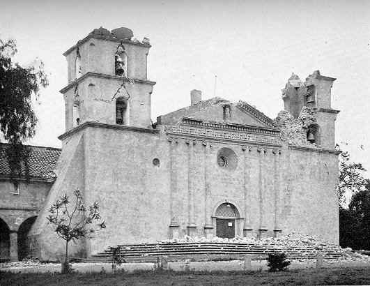 Santa Barbara Mission  w/ eathquake damage, 1925.